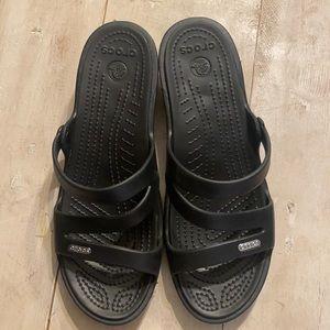Crocs women's Patricia strappy sandal sz 9